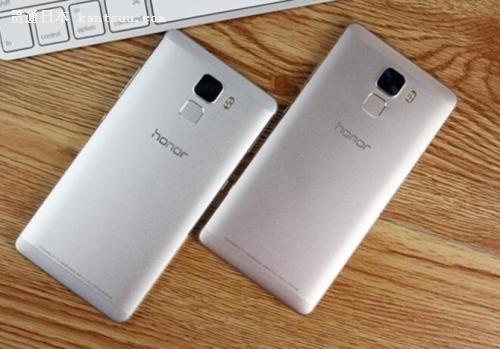 """华为新款手机迷倒日本""""花粉"""" 虽然贵了点但创意满分"""